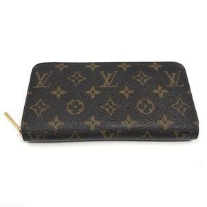 100% Auth Louis Vuitton Zippy Wallet GI1123